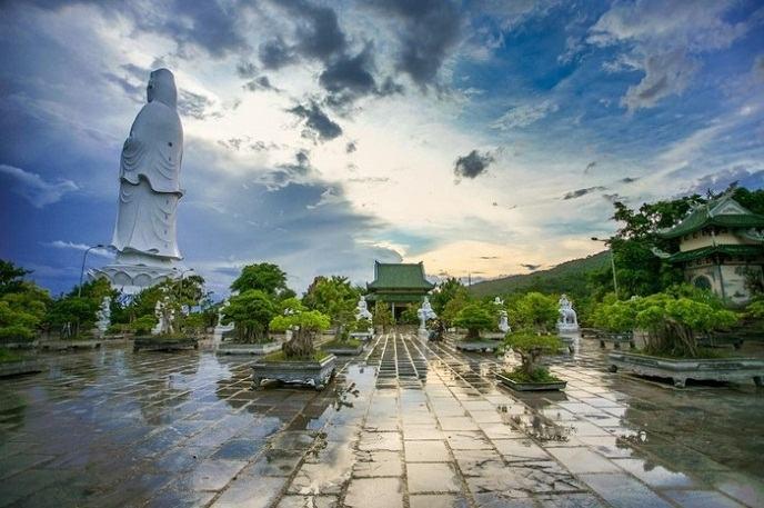 """Bí ẩn chùa Linh Ứng ở Đà Nẵng – ngôi chùa """"cầu gì được nấy"""""""