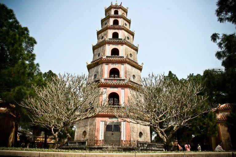Chùa Thiên Mụ - Ngôi Chùa Cổ 400 Năm Tuổi Ở Xứ Huể - 123tadi: Chia sẻ kinh  nghiệm du lịch