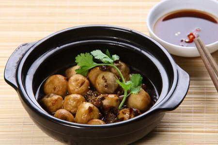 Nấm rơm kho nước tương | Thức ăn chay, Nấm rơm, Ẩm thực