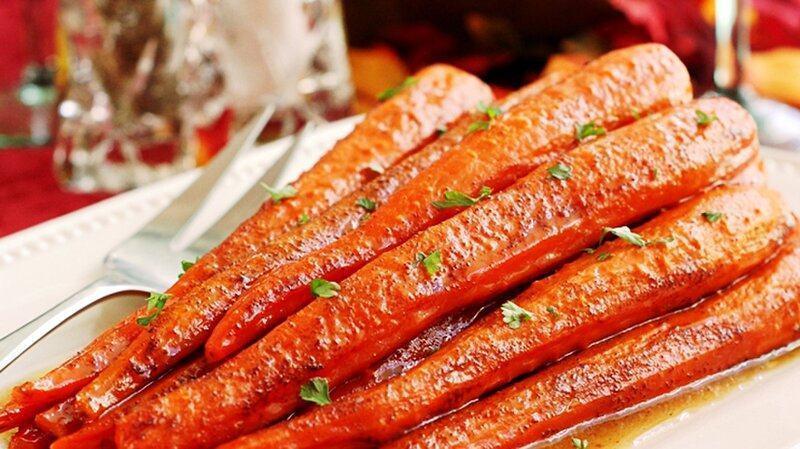 Rau củ tẩm ướp gia vị bỏ lò cũng là một cách chế biến món chay được nhiều người yêu thícht lò