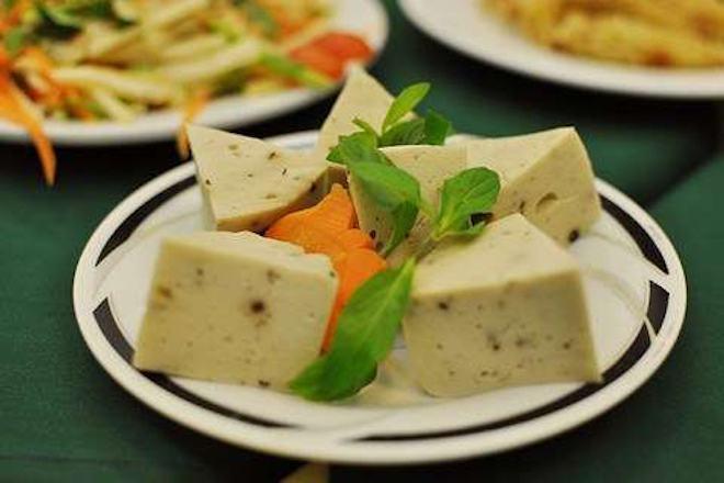 Cách làm chả lụa chay ngon từ nấm, đậu xanh, tàu hũ ky tại nhà