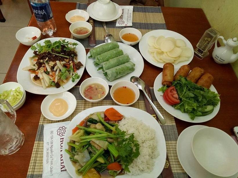 Top 10 nhà hàng chay quận 1 thanh tịnh, nổi tiếng ăn ngon ở TPHCM
