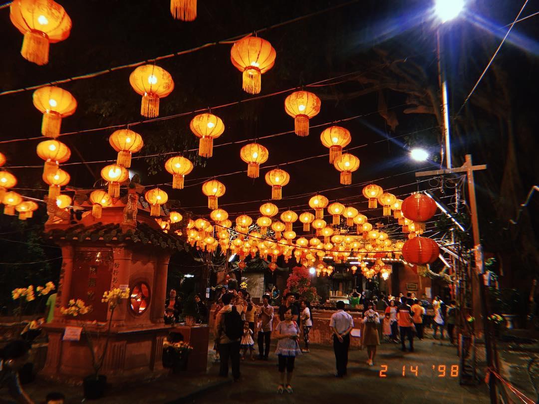 đến thăm chùa vao ban đêm rất đẹp