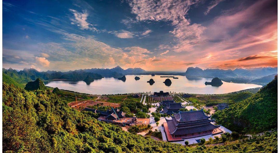 khuôn viên của chùa Tam Chúc nhìn từ trên cao