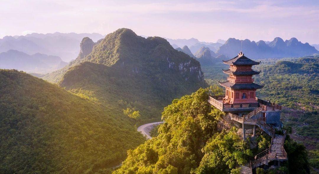 Cảnh quan chùa Tam Chúc nhìn từ trên cao