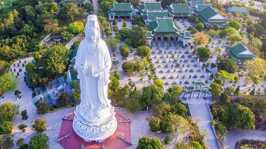 Chùa Linh Ứng bãi Bụt - Chốn yên bình giữa một Đà Nẵng xa hoa.
