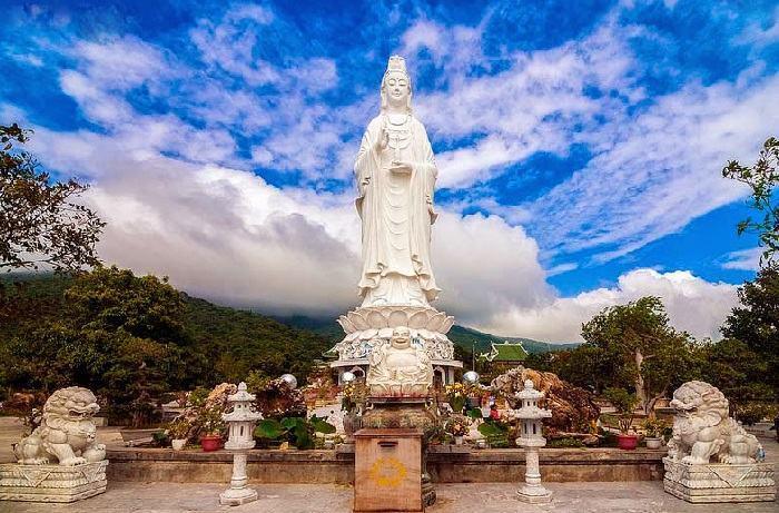 Khám phá chùa Linh Ứng Đà Nẵng
