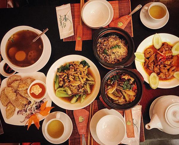 Món ăn tại quán cơm chay của ca sĩ Phi Nhung