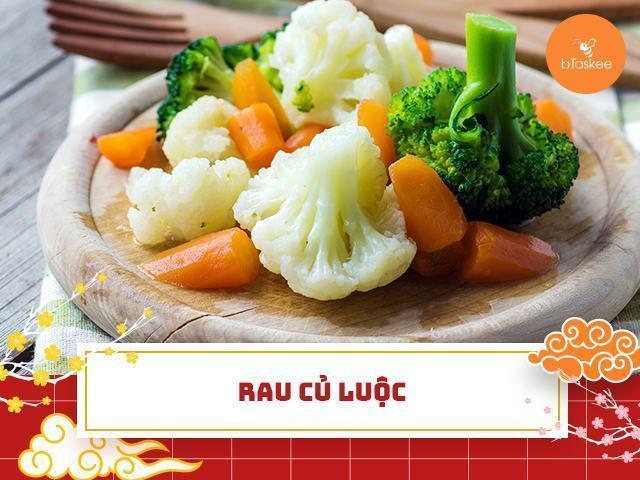 Các món luộc sẽ thơm ngon hơn nếu dùng kèm nước chấm.