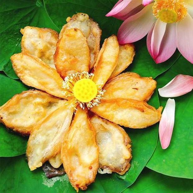 Cách làm snack cánh hoa sen chiên giòn rụm, thơm ngon cực đơn giản