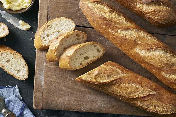 Bột mì số 11 có hàm lượng protein cao dùng để làm bánh mì gối, bánh mì Pháp… (Ảnh: Internet)