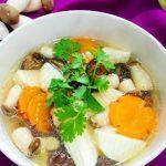 món canh chay chua cay với nấm và đậu hũ