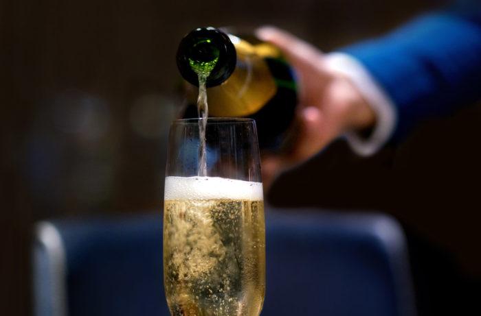 Kiến thức về rượu Champagne dành cho người mới bắt đầu