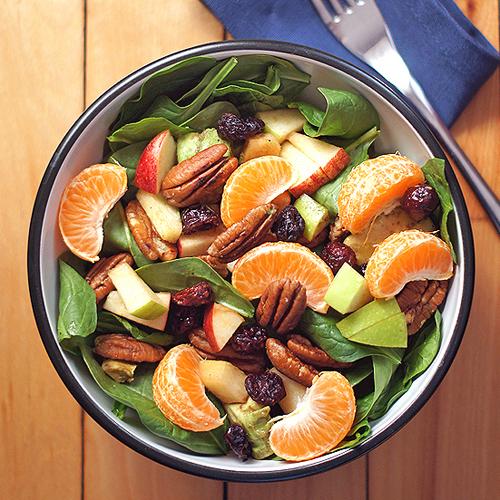 tô salad trái cây nhiệt đới